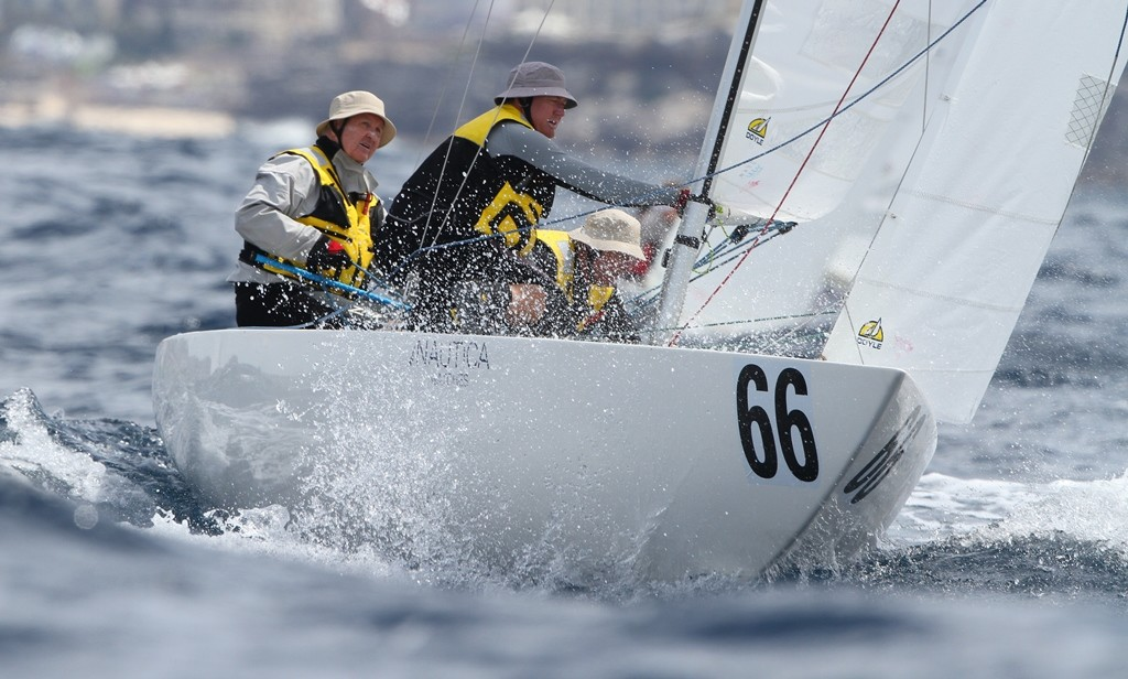 Large_Etchells World Championship 2012. Race Three winner Jud Smith helming Roulette to the windward mark1