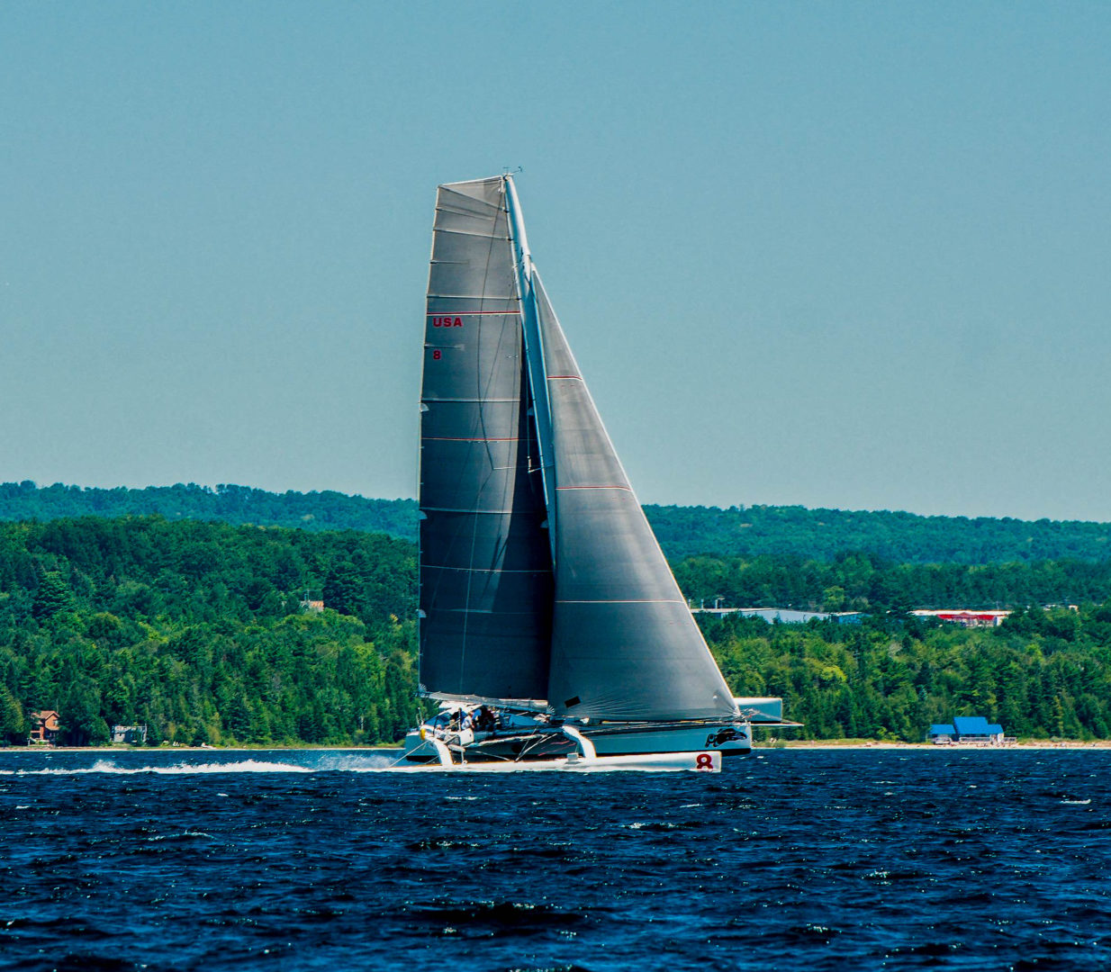 Arete sails into history with new Chicago Mackinac course record