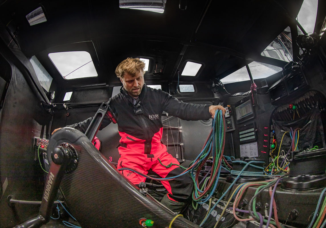 Alex-Thomson-with-Gleistein-Ropes-picture-credit-ALEX-THOMSON-RACING